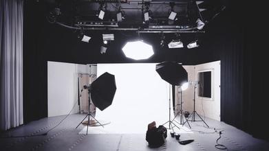 Recherche comédien H/F de 16 ans révolus pour un tournage en studio à Nantes