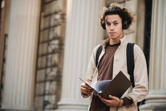 Casting modèle homme entre 18 et 20 ans pour shooting photo