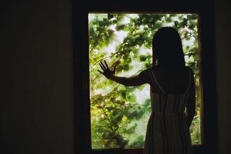 Recherche silhouettes femmes entre 18 et 90 ans pour clip