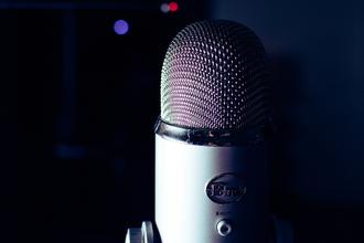 Recherche voix off pour spot publicitaires