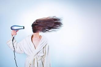 Casting mannequin femme pour vidéo relooking capillaire