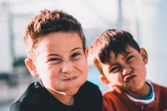 Recherche figurants jeunes garçons entre 6 et 13 ans pour le tournage d'une série TV en Bretagne