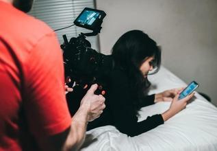 Recherche une comédienne 20 à 25 ans pour long-métrage cinema