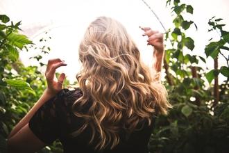 Casting mannequin femme entre 18 et 25 ans pour shooting photo coiffure