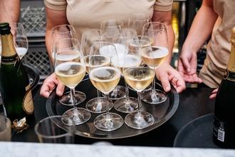 Recherche 3 hôtesses d'accueil pour un salon à Nice