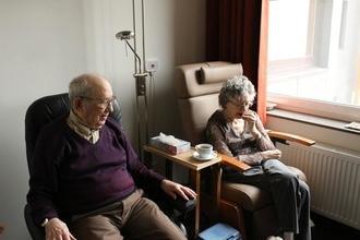 Recherche profils seniors pour incarner des patients en maison de retraite dans un clip