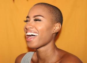 Recherche femme rasée entre 25 et 35 ans pour clip