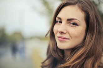 Recherche mannequin femme professionnelle entre 20 et 35 ans pour shooting portrait photo