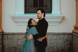 Casting homme et femme entre 40 et 50 ans pour jouer parents d'un youtubeur connu