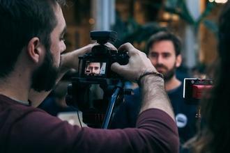 Urgent Recherche Modèles hommes 25 à 35 ans profil Athlétique pour Shooting Photo