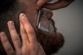 Casting modèle homme pour vidéo relooking coiffure et barbe