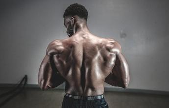 Recherche silhouettes hommes typés Noirs 25 à 50 ans pour long métrage