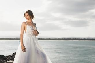 Recherche modele femme entre 18 et 50 ans pour shooting photo robe de mariée