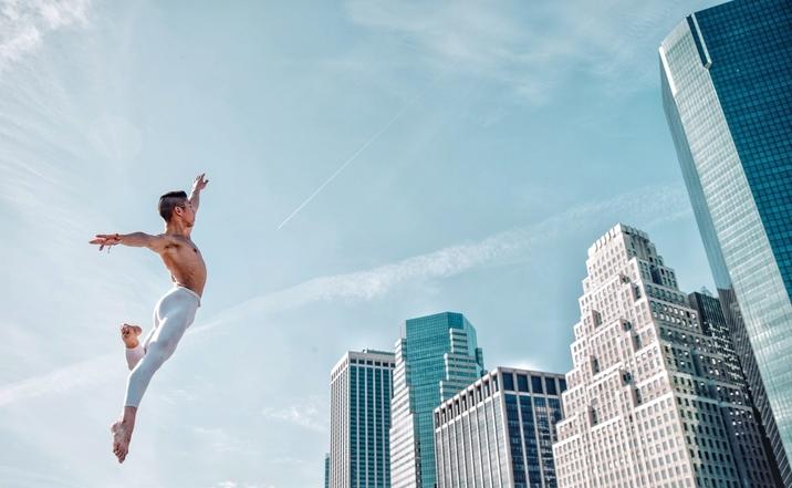 Comment devenir un danseur professionnel ? Notre artiste VIP, Mathis Joubert, vous donne ses conseils.