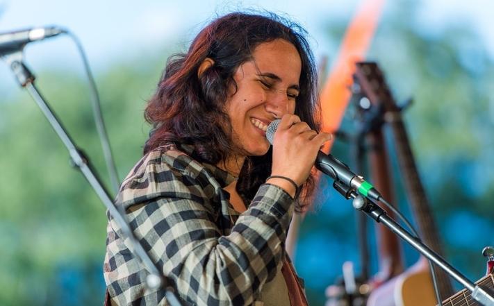 Auteur, compositeur et interprète autodidacte, notre artiste VIP ZazouHaifa a déjà  deux albums a son actif!