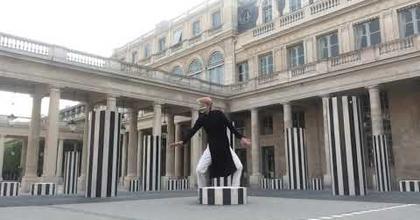 Rencontre dansée avec... Daniel Buren, au coeur du Palais Royal, à Paris